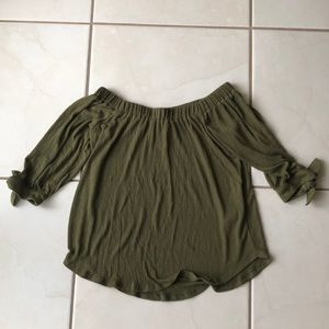 NWOT Abercrombie & Fitch Off The Shoulder Top